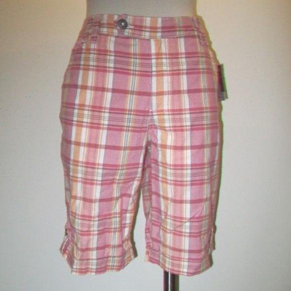 Gloria Vanderbilt Shorts | Preppy Vintage Style Pink Plaid Bermuda .