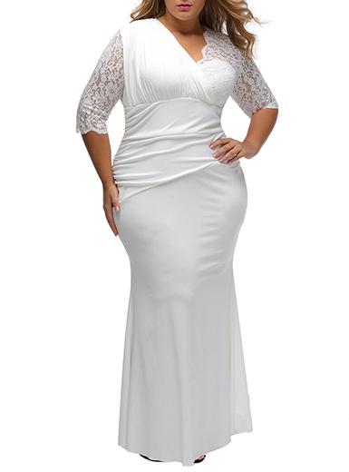 Women's Plus Size Maxi Dress - Three Quarter Length Lace Sleeves .