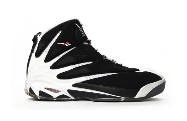 The 90 Greatest Sneakers of the '90s | Sneakers, Basketball shoes .