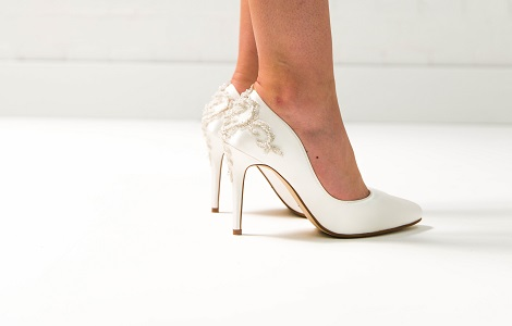 Wedding Shoes   Bridal Shoes and Wedding Heels   Lace and Favo