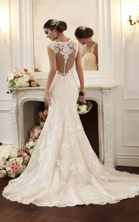 Vintage-Inspired Wedding Dresses with Straps | Stella Yo